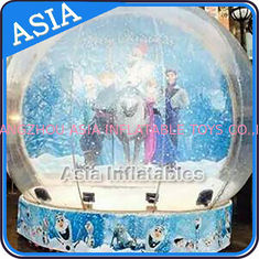চীন CE Approval X - Mas Christmas Inflatable Snow Globe For Photo Taking কারখানা