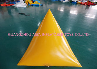 চীন Triangle Shape Yacht Race Market Inflatable Buoys For Water Triathlons Advertising কারখানা