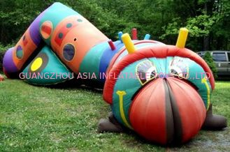 চীন Inflatable bugsy the caterpillar tunnel maze for children games কারখানা