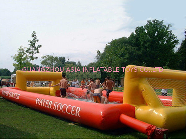 Adult Hot Welding Inflatable Soap Soccer Field / Interactive Inflatable Water Games সরবরাহকারী