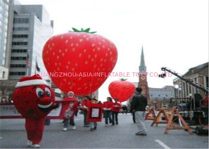 Advertising Inflatables Strawberry Character Balloon Giant Fruits Flying Ball সরবরাহকারী